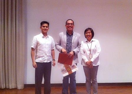 Dr. Pitagan with UPCS President Ronnel Almazan and Dr. Amy Fajardo