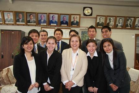 Meg de Castro, Aya Casim, Dr. Amelia Fajardo, Apple Dungao, Angelica Pinon, Alfonso Inocencio, and faculty from Ehime University Attached Junior High School