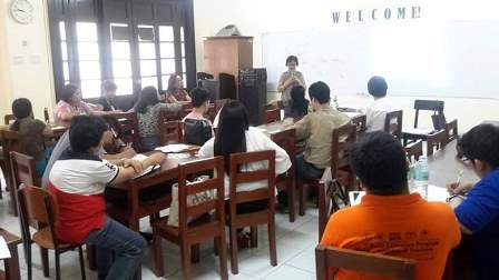 Prof. Calingasan handles a session